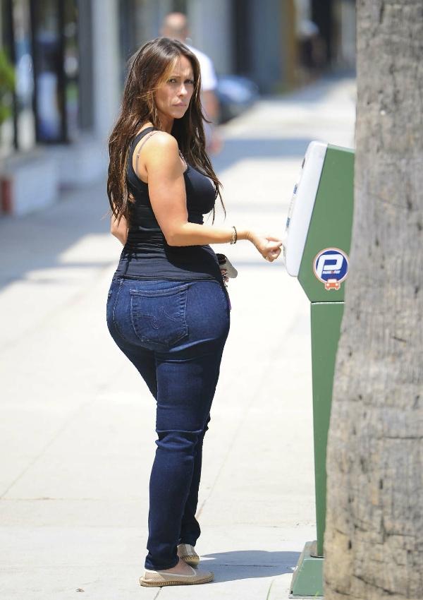 Jennifer Love Hewitt big ass