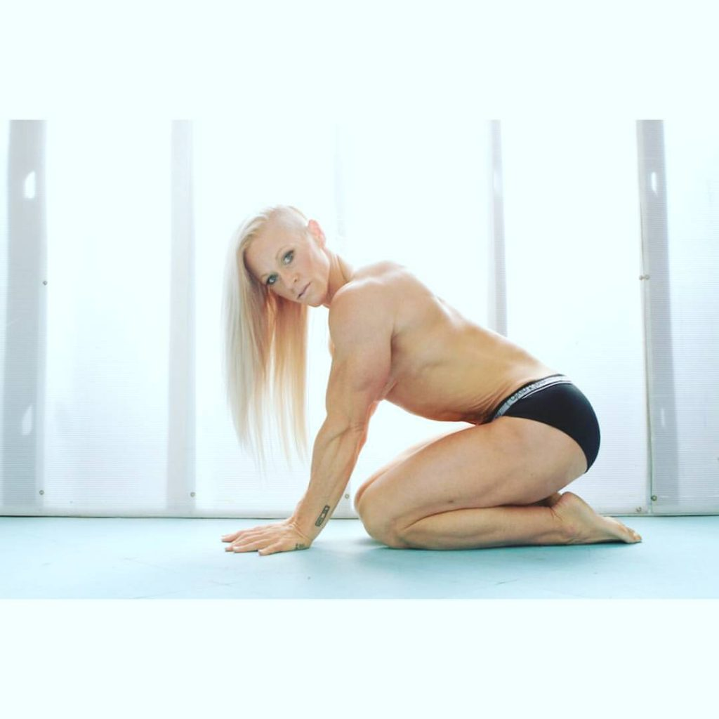 Kira neuman Nude