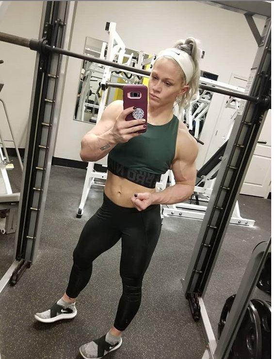 fitness model kira neuman 2