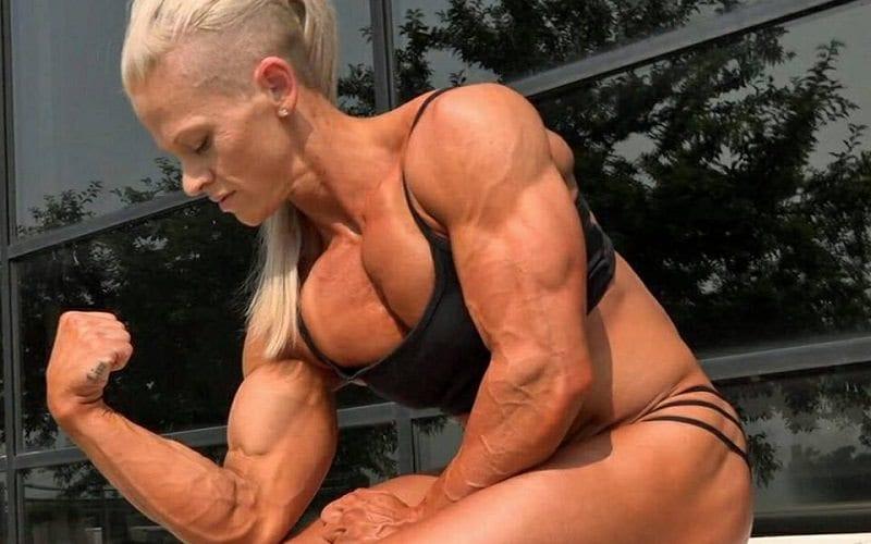 kira nueman muscles