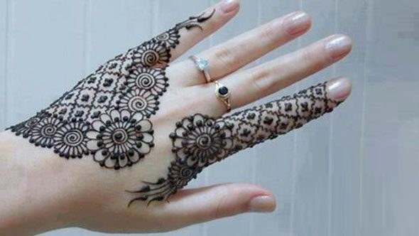 Simple Arabic Henna design