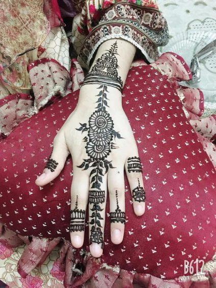 Kashmiri mehndi design 4.