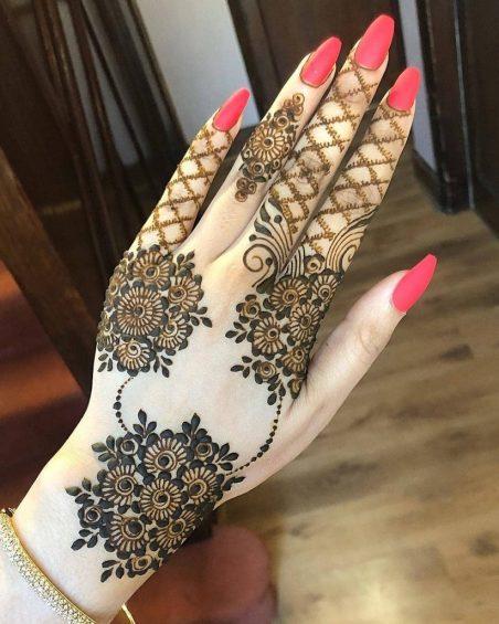Kashmiri hindu mehndi designs - round