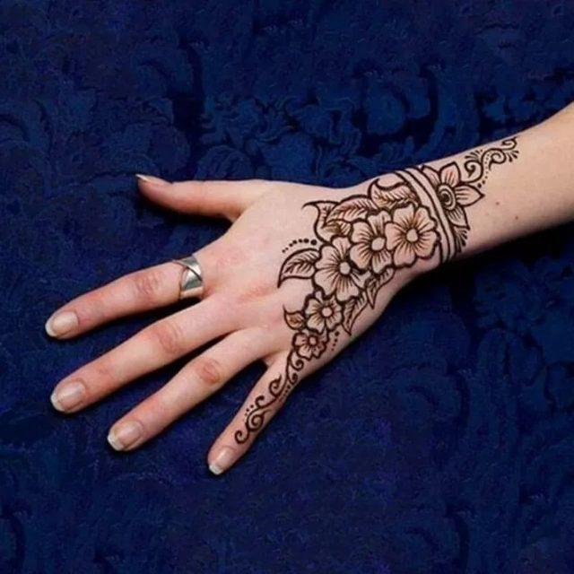 latest Arabic floral mehandi designs