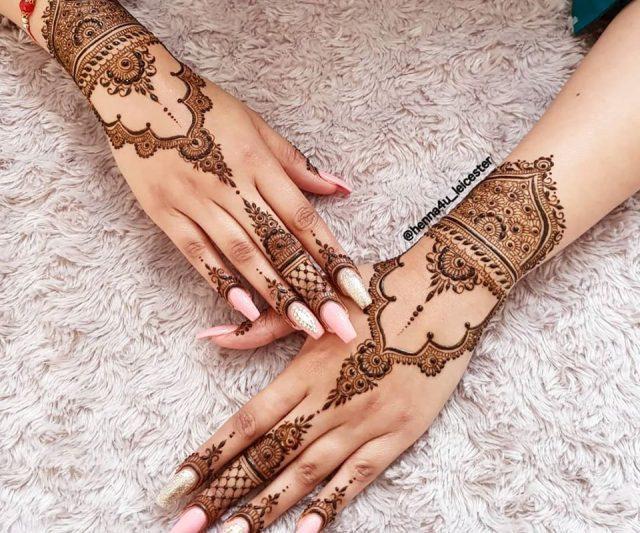latest Beautiful Arabic henna Design