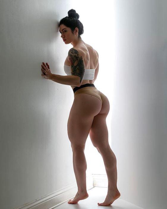Natasha Aughey sexy hot pic