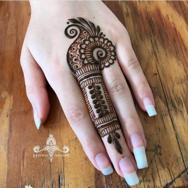 One_Finger_Mehndi_Design