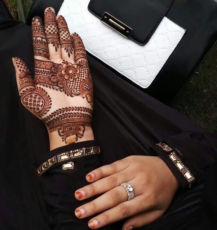 Latest pakistani henna design2