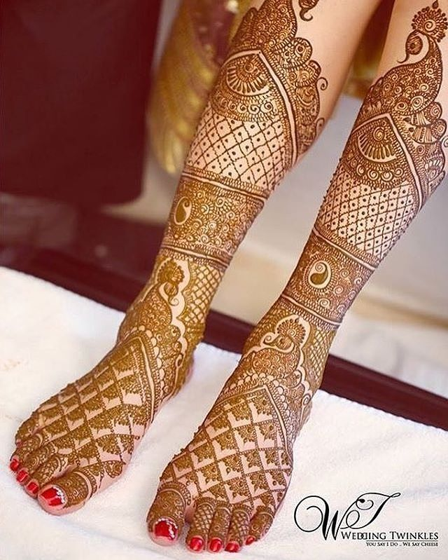 beautiful bridal mehndi design for feet