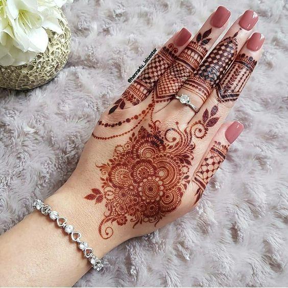 beautiful indian mix floral mehandi design
