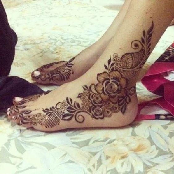 bridal leg design mehndi d