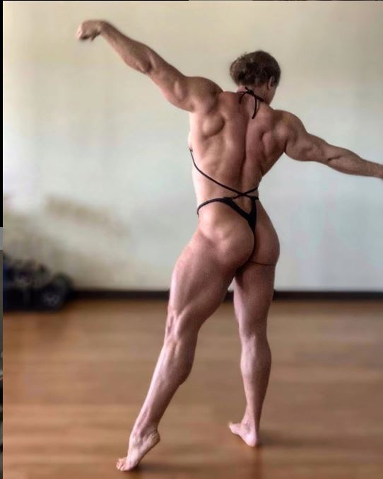 Kaitlyn Vera- AKa Hardcore Kaitlyn Sexy Muscle and Ass pics