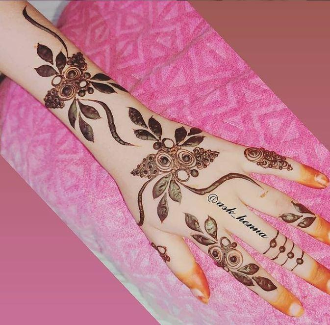 back hand henna design 3