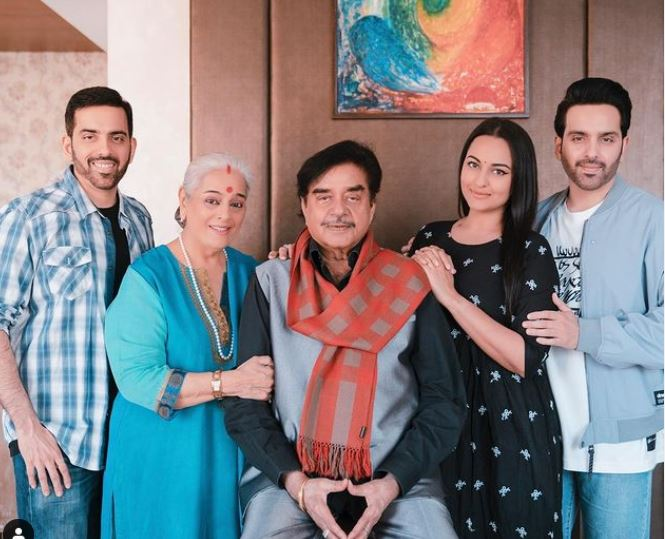 sonakshi with her family