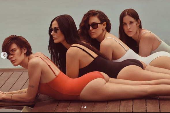 Demi moore with her 3 daughters