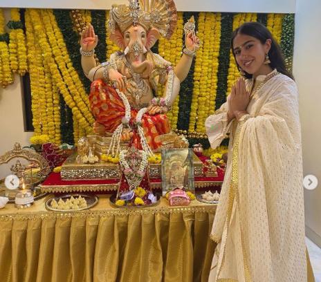 Sara Ali Khan's Celebrated Ganesh Chaturthi with Great Pomp